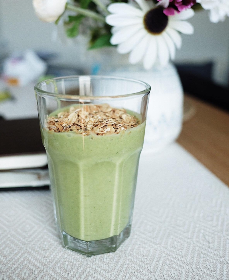 Banana Spinach & Peanut Butter Smoothie