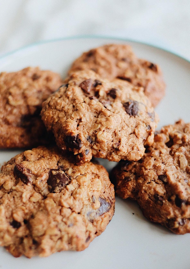Dark Chocolate Chip Oat Cookies | Farm Girl